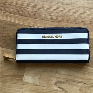 Micheal Kors Blue & White wallet
